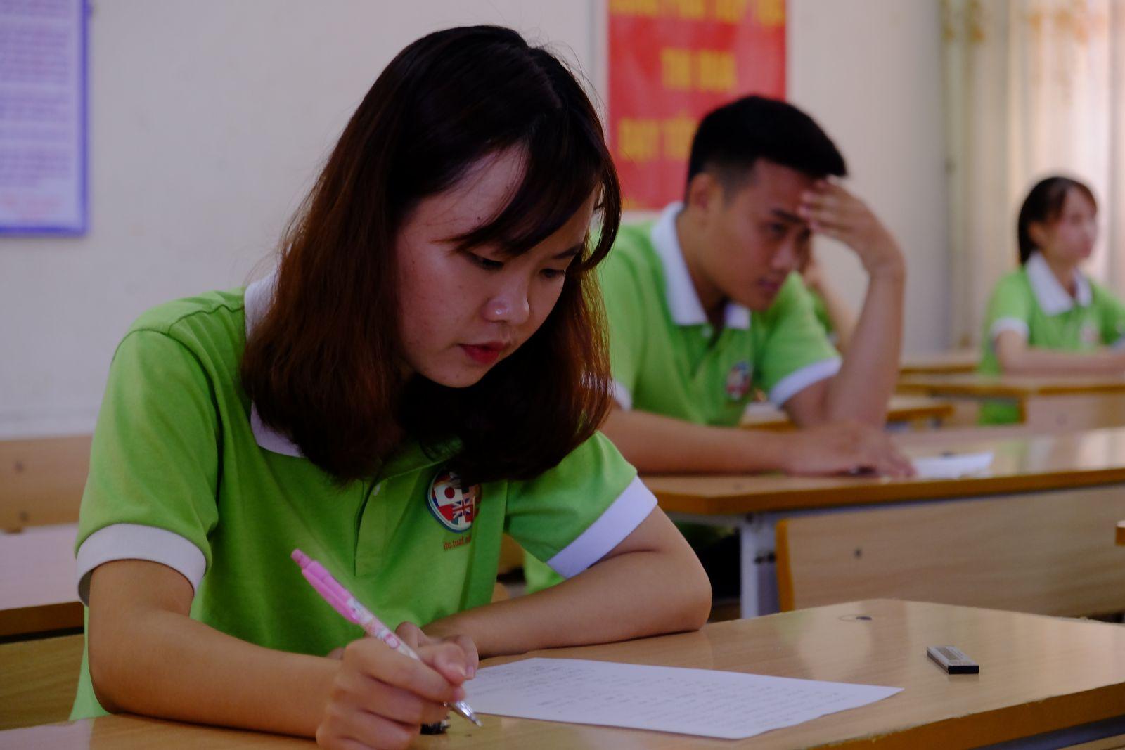 Do đã chuẩn bị kỹ lưỡng, các bạn thí sinh làm bài với tâm lý khá thoải mái. Bài thi cũng được đánh giá là không quá khó